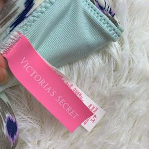 Victoria's Secret Swim - 🍁Victoria's Secret size small swimsuit top bikini